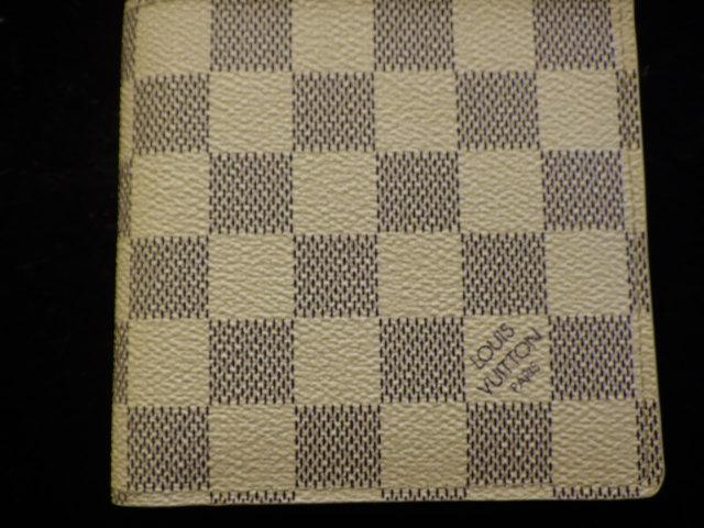 ヴィトン 2折財布